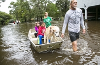 Family flees flooding